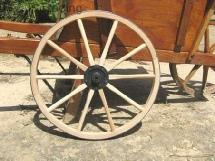 Wagon wheels, carriage wheels, buggy, and cart wheels | R